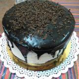 Torta de crema y ganache de chocolate