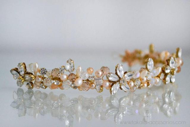 Vincha de flores de cristales | Casamientos Online