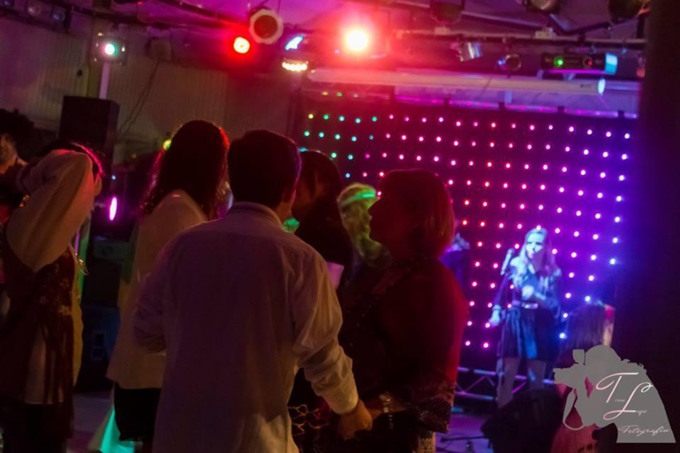 Sonbye show bailable en formato dúo
