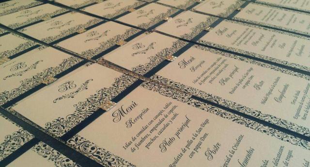 Camelia Diseño de invitaciones (Participaciones)