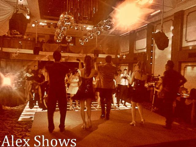 Show Aerolineas en Victoria Palace(Alex Muñoz)   Casamientos Online