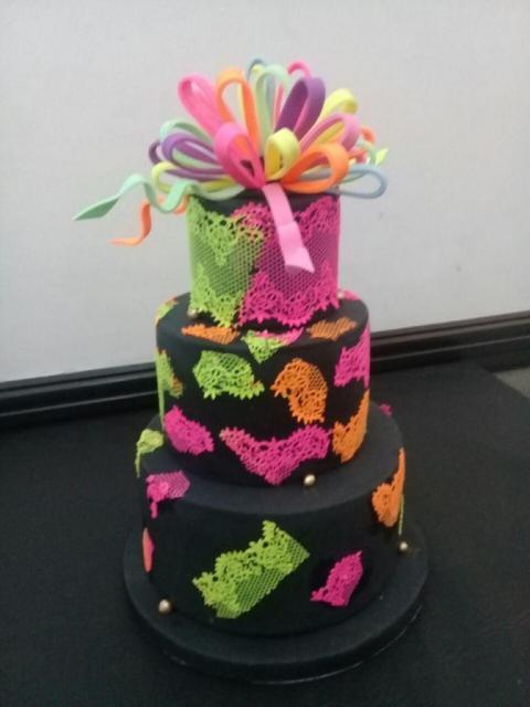 Torta de Bodas Encaje Fluor | Casamientos Online