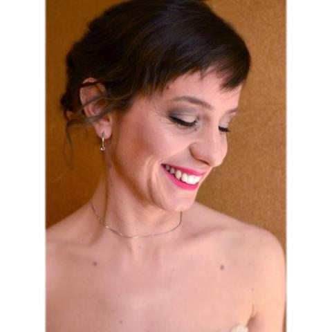 Maquillaje y peinado novia, recogido con trenzas y tocado | Casamientos Online