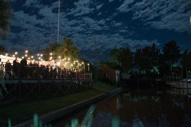 Deck sobre el rio | Casamientos Online