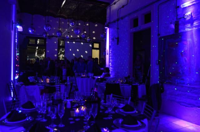 Luces perimetrales Azules | Casamientos Online