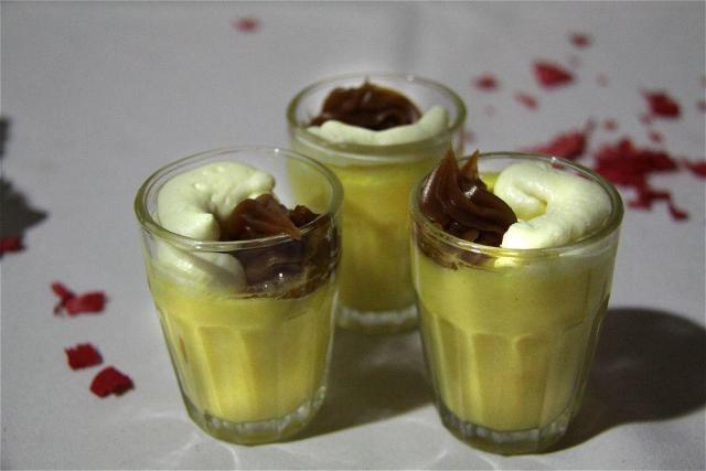 Mini Flan con dulce de leche y crema | Casamientos Online