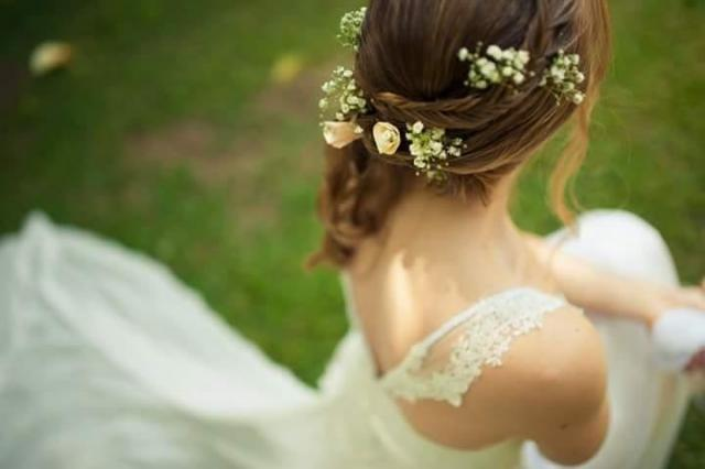Peinado + Maquillaje + Ramo y Tocado en flores naturales