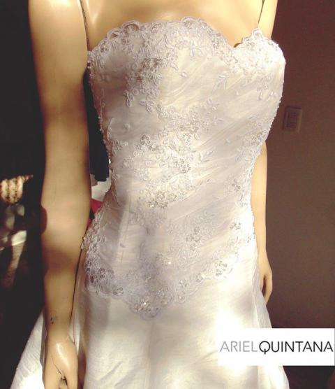 Ariel Quintana (Vestidos de Novia)