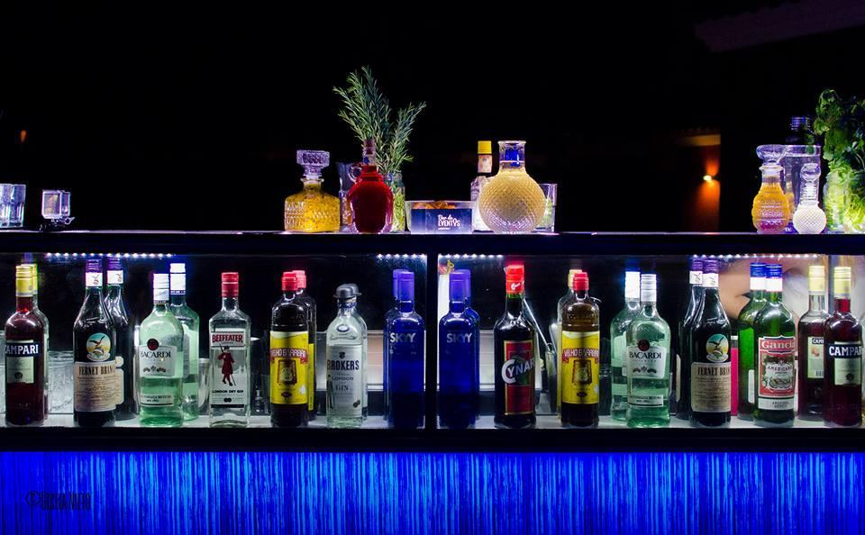 Fotos de bebidas y barras de tragos en buenos aires - Barras de bar para salon ...