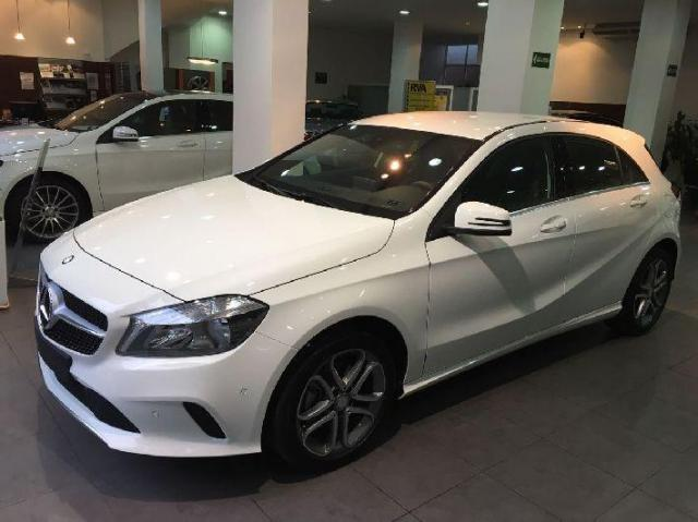 Mercedes Benz Clase A colores blanco o plata