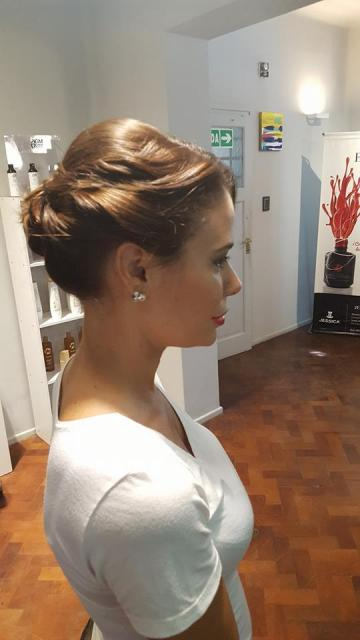 Noe Moon Hair y Make Up (Maquillaje)