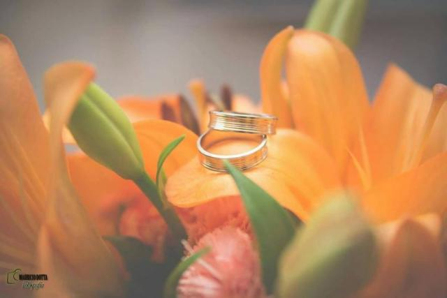 #casamientosreales ALIANZAS MODELO BOMBE ESMERILLADO | Casamientos Online