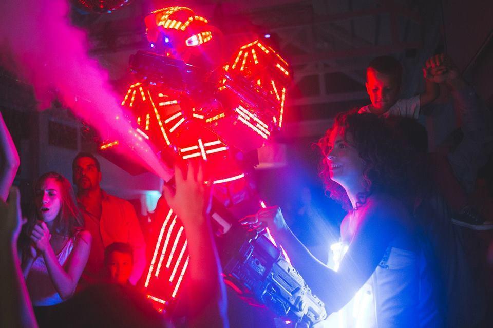 Tron Laser Show (Shows de entretenimiento)