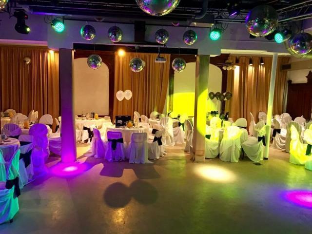 Augusto y Ros (Salones de Fiesta) | Casamientos Online