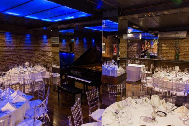 Salon Jazz Voyeur     Casamientos Online