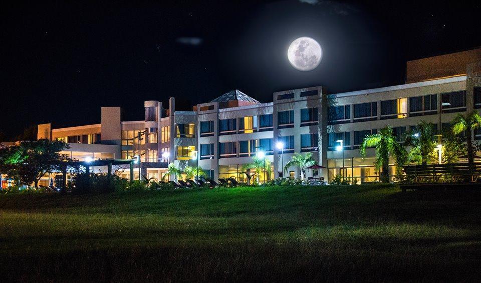 Arena Resort (Salones de Hoteles)
