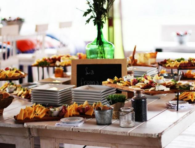 DECK 39 - CATERING