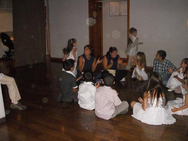 PROMO 9: De 7 a 12 años x 4 horas con 2 Niñeras Profesionales ¡y Sorpresa!