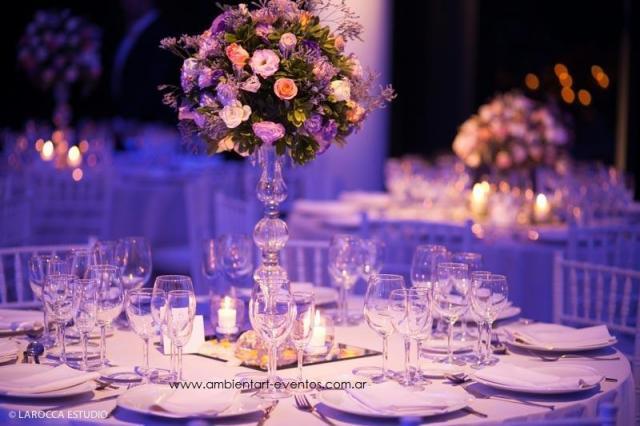centros de mesas , topiarios con flores naturales ... | Casamientos Online