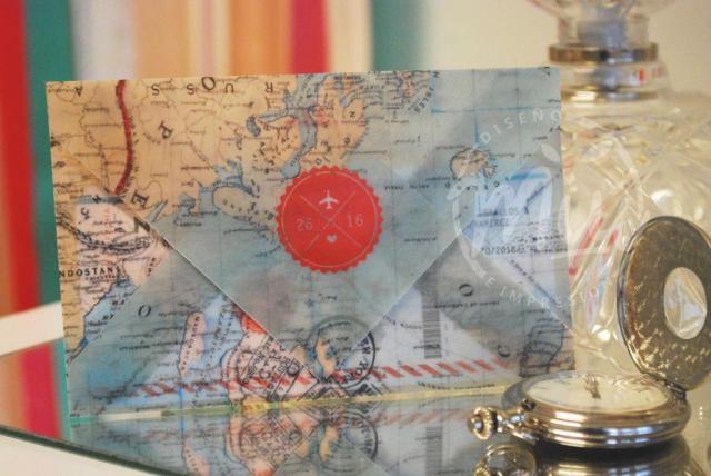 Invitación estilo pasaje con sobre mapamundi | Casamientos Online
