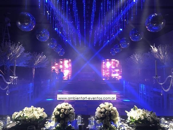 mesas cabeceras , petalos , luces ... | Casamientos Online