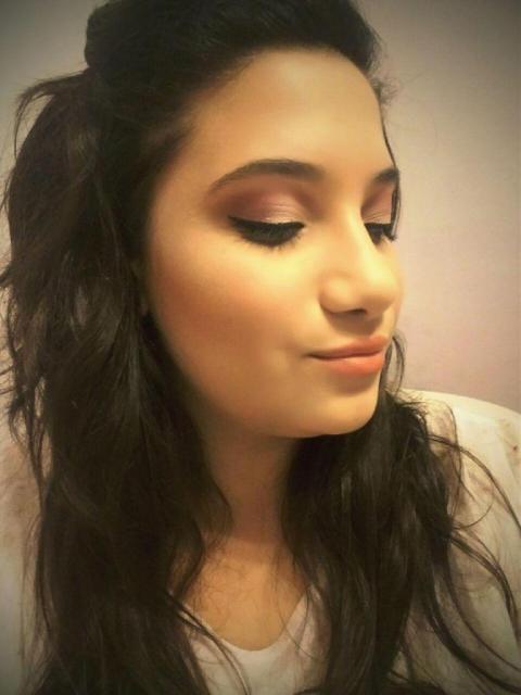 Agostina Burzomato (Maquillaje) | Casamientos Online