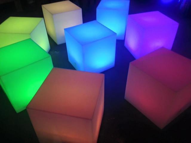 CEN SONIDO E ILUMINACION - Puff luminosos!!!!!