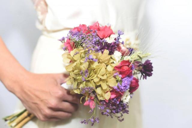 Ramo y pins de Flores preservadas