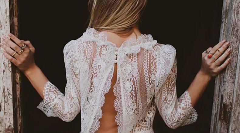 Espalda en el vestido de novia
