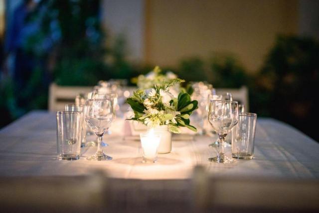 Linda combinacion....Verde & Blanco, siempre con luz calida de las velitas