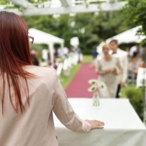 Maestra de ceremonias Locutora | Casamientos Online