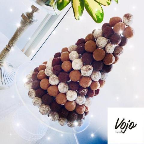 Mesa de chocolate, Torre de trufas | Casamientos Online