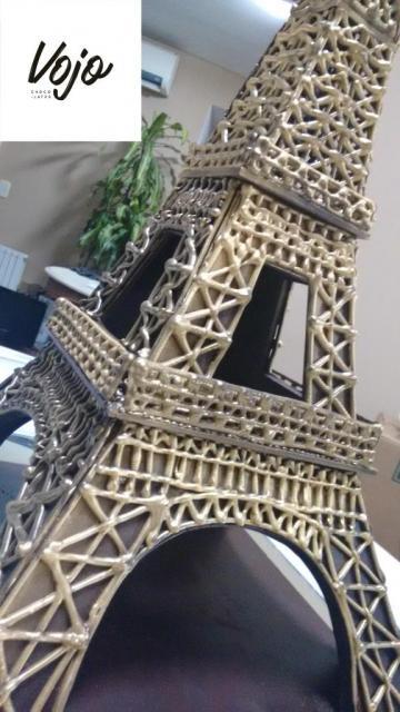 Torre Eiffel de Chocolate, mide 70cm. de altura | Casamientos Online