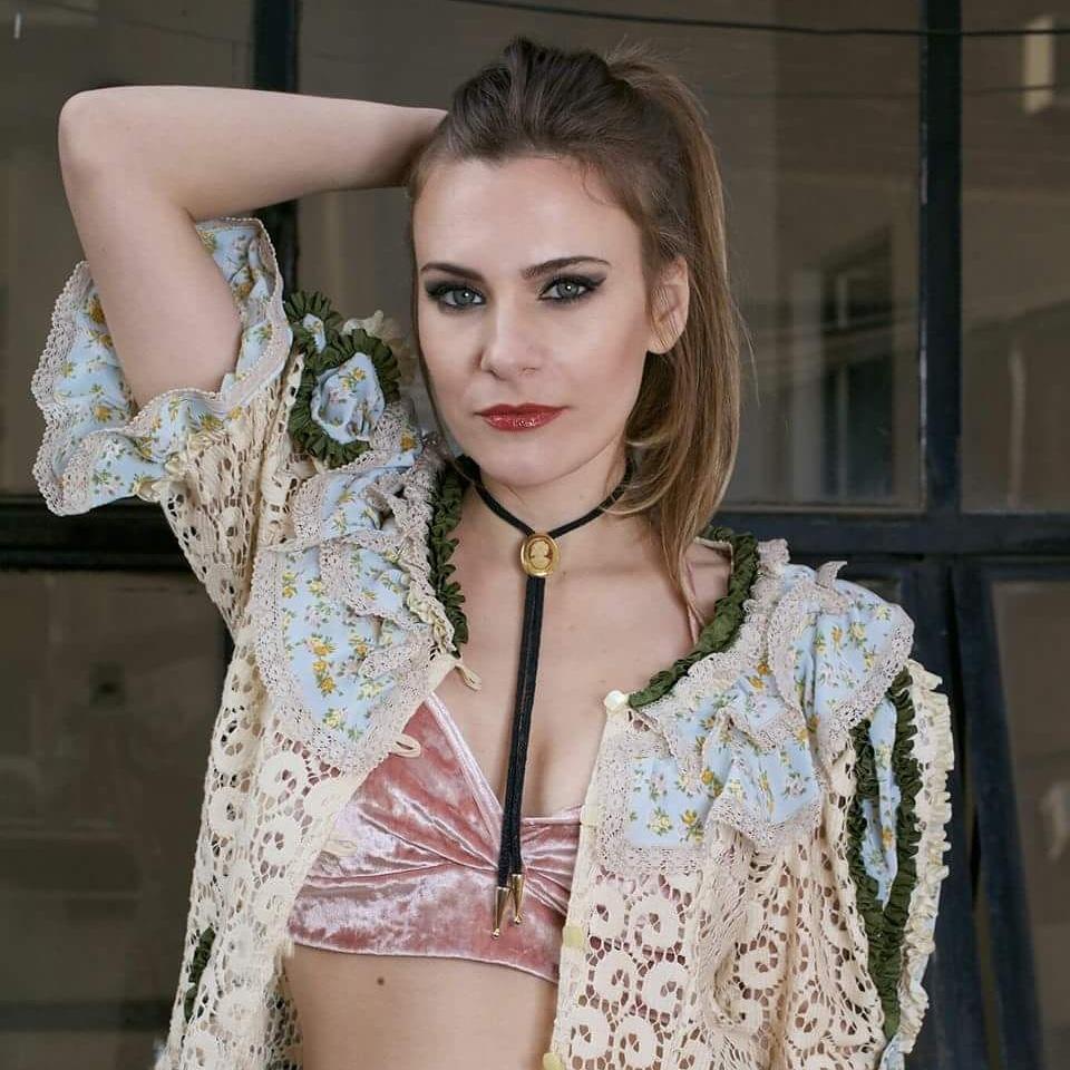 Daniela Di Gloria (Maquillaje)