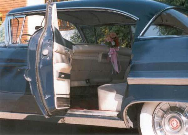 Cadillac DeVille 57 azul