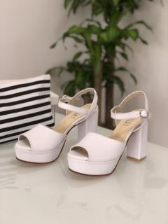 MUNAY bridal shoes