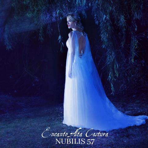 Vestido espalda de impacto Nubilis 57 | Casamientos Online