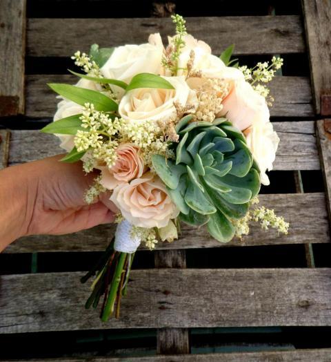 Promo bouquet de flores y suculentas