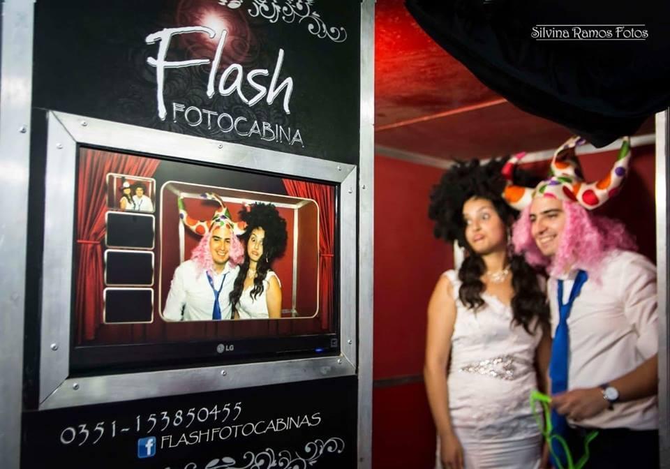 Flash Fotocabinas (Cabinas de mensajes, fotos y video)