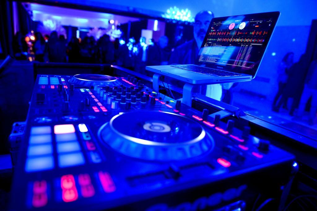 CAMISANI DJ - Tecnica y Dj