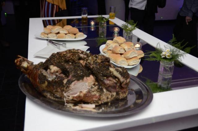 Pernil de Cerdo para Recepcion, Menu Islas o Fin de Fiesta | Casamientos Online