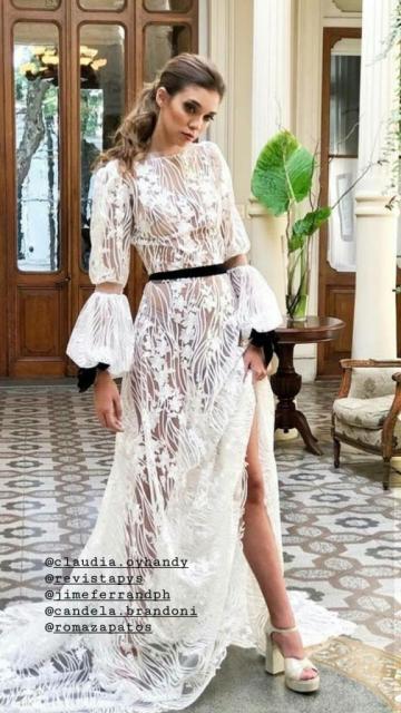 Vestido de tul bordado con hilos de seda | Casamientos Online
