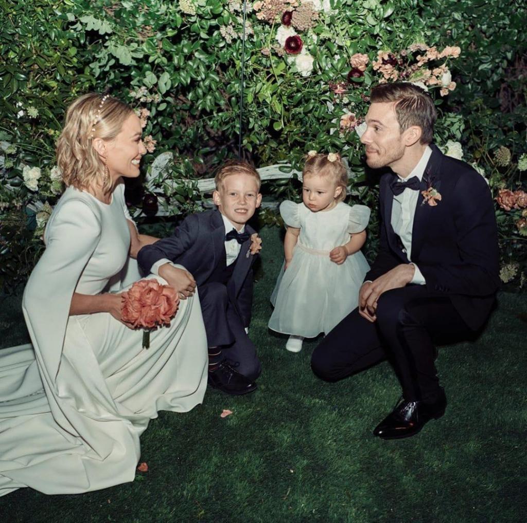 Hilary Duff con sus dos hijitos