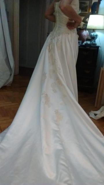 Novias & Compañía (Vestidos de Novia) | Casamientos Online