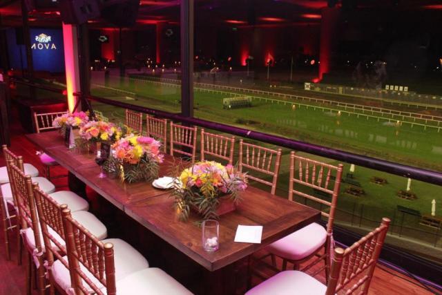 Tribuna Oficial (Salones de Fiesta) | Casamientos Online