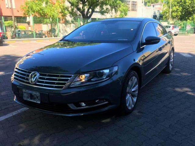 VW Passat Gris oscuro