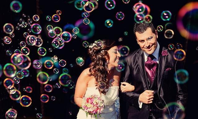 Ceremonia Personalizada Laica con Suelta de Burbujas