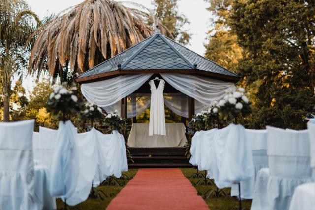 Ceremonia al aire libre, de día | Casamientos Online