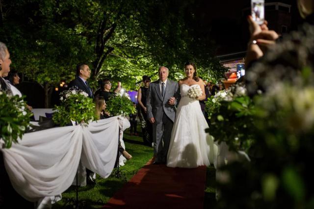 Ceremonia al aire libre, de noche | Casamientos Online