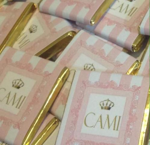 chocolatina personalizada en plato de sitio